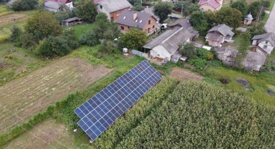 Сонячну електростанцію для дому потужністю 30 кВт встановлено в Узині