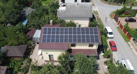 Сонячну станцію для дому потужністю 10 кВт змонтовано в Крихівцях