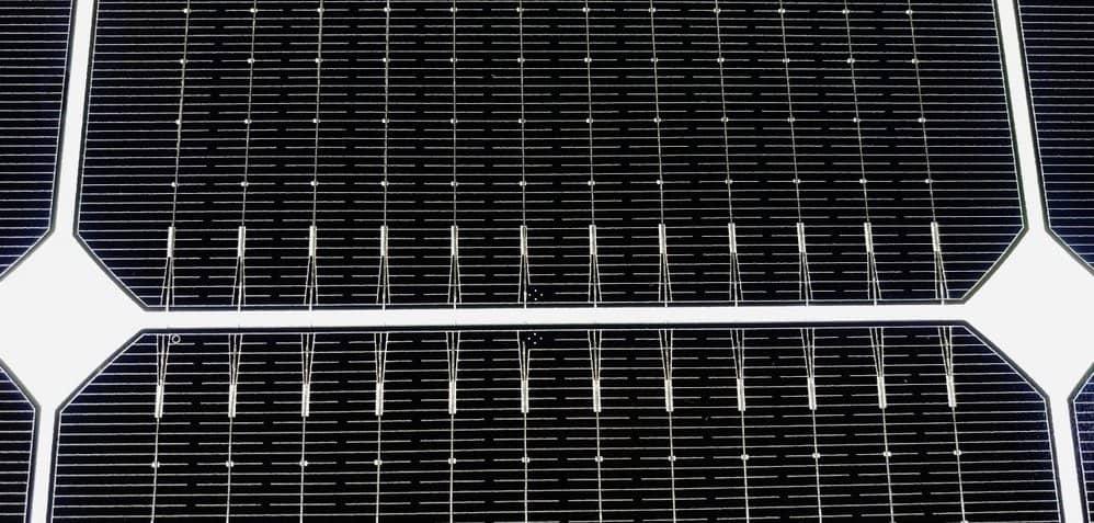 LG Neon 2 комірки з 12 круглими дротяними шинами.