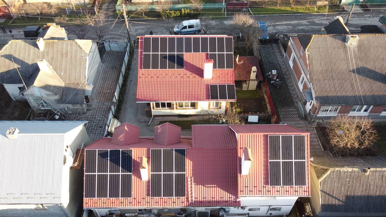 Сонячну електростанцію для дому потужністю 20 кВт встановлено в Чорткові